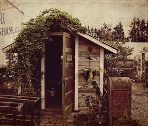 Garden-House-in-Skagit-Valley-WA